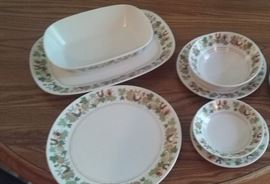 8 pc place setting Noritake chaina