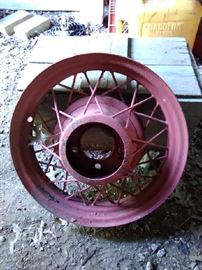 1920's to early 1930's automobile wheel