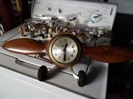 Propeller electric clock