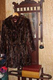Super Cute Vintage Coat!!
