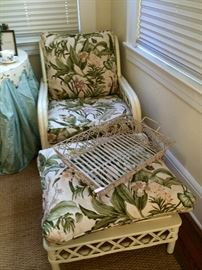 On the First Coast, we get see a lot of Ficks Reed.  We see a lot of Ficks Reed that needs reupholstering...or has been done in a sad way...this is perfection!  #whenvintagefurnitureisgivenitsdue