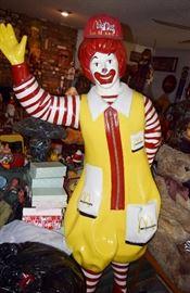 Full size Ronald McDonald statue