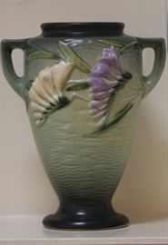 "Vintage Roseville pottery  Freesia vase 121-8"""
