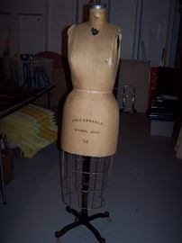 Original Wolform Collapsible Model 1969 Size 14