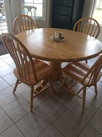 Oak Pedestal table with 4 matching chairs