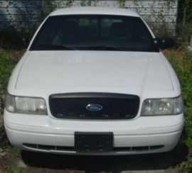 Front View Of 2009 Ford Crown Victoria