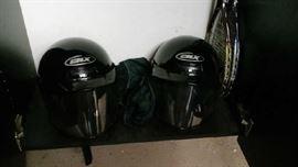 Snow mobile helmets - 5 total