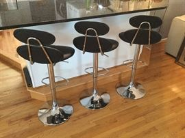 Three hydraulic barstools. Excellent condition!
