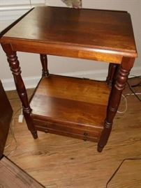 small table w/drawer