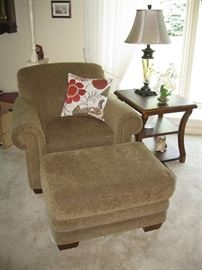 Laz-y-Boy Chair with Matching Ottoman
