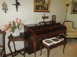 Shesney and Sons piano