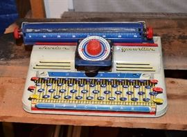 1940's Marx Tin Litho typewriter