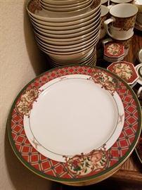Noritake: Royal Hunt collection, #3930, 13 place settings