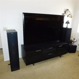Sharp Elite PRO-70X5FD 70-inch LCD TV