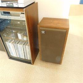 ,pair of vintage Cerwin Vega speaker model D-3,