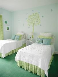 TWIN BEDS AND ACCESSORIES