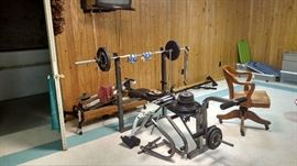 Weight bench with weights.