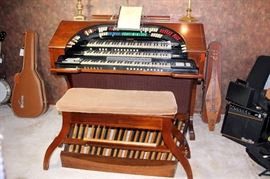 Conn Theater Organ Model 653