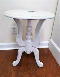 Round Distressed White Table