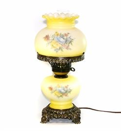 ACCURATE CASTING GONE WITH THE WIND HURRICANE LAMP