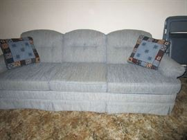 sofa in nice condition