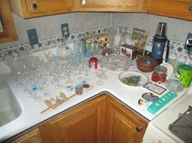 KITCHEN AND GLASSWARE