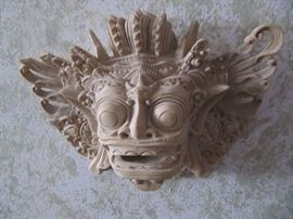 Alligator wood carving (small)