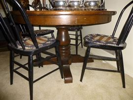 Vintage Round Pedestal Table with 4 Black Bow Back Windsor Style Chairs