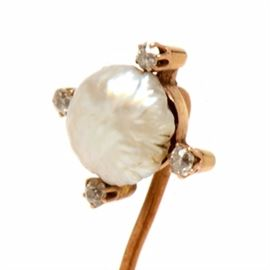 Vintage 14K Yellow Gold, Cultured Pearl, and Diamond Stickpin: An early 20th-century vintage 14K yellow gold, cultured pearl and diamond stickpin.
