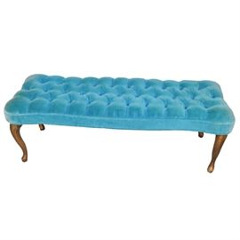 Vintage Button-Tufted Turquoise Velvet Bench: A vintage button-tufted turquoise velvet bench. The bench has Queen Anne legs and the seat is thickly padded and upholstered in turquoise blue velvet fabric, with button tufting. This item is not marked. It matches item 17DEN088-086.