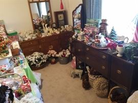 Look at all the stuff. There's even stuff on stuff and stuff under stuff. So much stuff