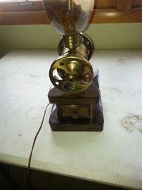 GRINDER  LAMP