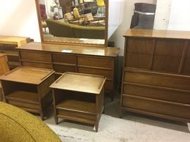 Awesome King size mid-century bedroom set