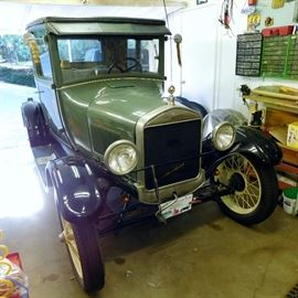 1926 Ford Model T coupe in running condition