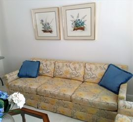 Henredon Sofa in Great Condition