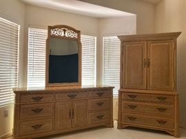 Thomasville Triple Dresser w/ Mirror; Thomasville Gentleman's Chest