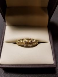 Diamond Wedding Band in 14kt Yellow Gold size 6