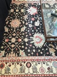 "• Woven Persian Style Room Sized in great colors (8'9""X11'10"").."