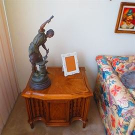 BEAUTIFUL MID-CENTURY MODERN END TABLES BRONZ RANCE STATUE