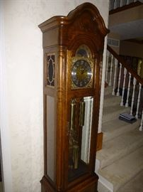 STUNNING VINTAGE HOWARD MILLER GRANDFATHER CLOCK #375892