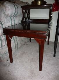 WOOD END TABLE (1 OF 2)