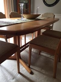 "House of Denmark teak Table with ""hiding storage"" middle leaf dining table with 6 chairs - excellent condition!"