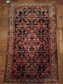 "Vintage hand woven PersianMahal rug, 100% wool face, measures 2' 7"" x 4' 2""."