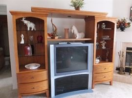 Mountain Oak entertainment center with bridge and lights - very nice