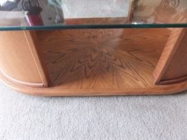 detail of wood grain on lower shelf of table