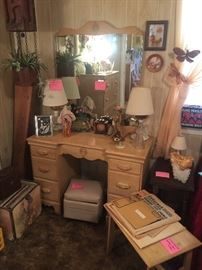 1940's Antique Blonde vanity with stool and mirror