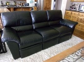 Black Leather La-Z-Boy dual recliner reclining sofa/couch