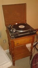 turn tables and other electronics that still need to be photoed