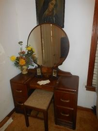 Antique knee hole dresser and bench