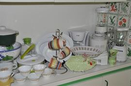 Vintage Corelli, Pyrex, Crate and Barrel serving platters and great small appliances!